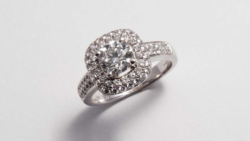 Selecting the perfect diamond for your engagement ring